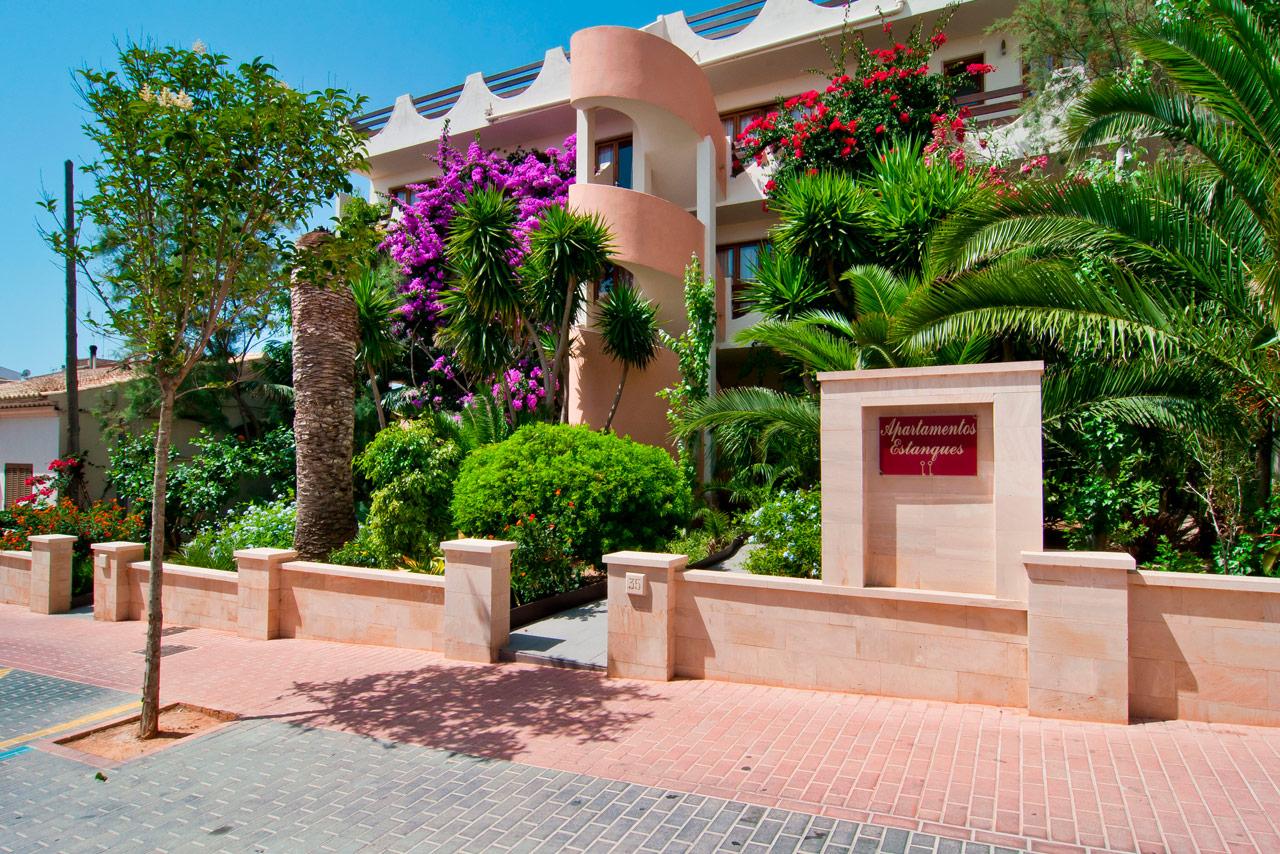 apartamentos-estanques-jardin